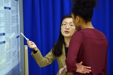 A student discusses her global research