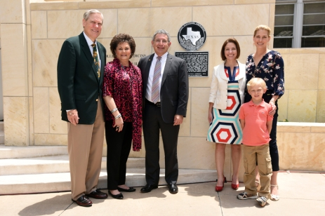 Dr. Paul Klotman, center, with Cullen family members Corbin Robertson Jr. and wife, Barbara, their niece, Cullen Geiselman, and their daughter and grandson, Christine and Shea Morenz