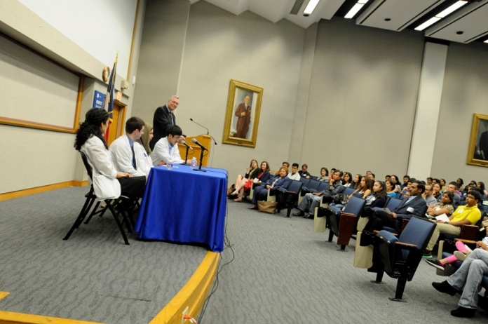 Med students offer practical advice to freshmen and families