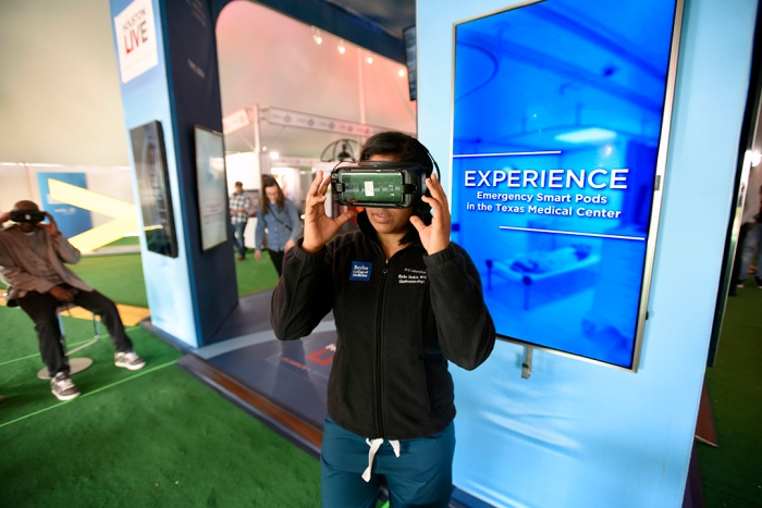 Smart Pod virtual reality exhibit