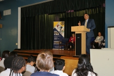 Dr. Kuspa speaks to Rusk students.