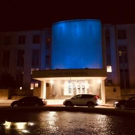 Blue lights for colon cancer.